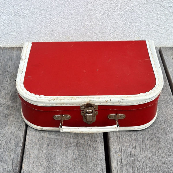 cardboard-red-suitcase-vintage-toys-cape-town-south-africa-1